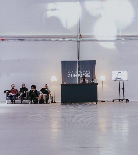 https://www.ecclesia.church/wp-content/uploads/Ecclesia-Church_Galleriebild-Über-Uns_Willkommen-Zuhause-e1571606032798.jpg